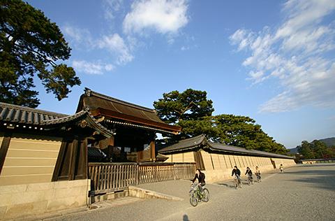 租借京都御苑(Gosho)的自行車